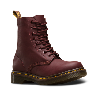 Dr. Martens - pascal cherry red virginia 8-eye boot