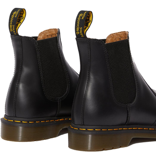 Dr. Martens - 2976 YS Chelsea boot black smooth (gelbe Naht)